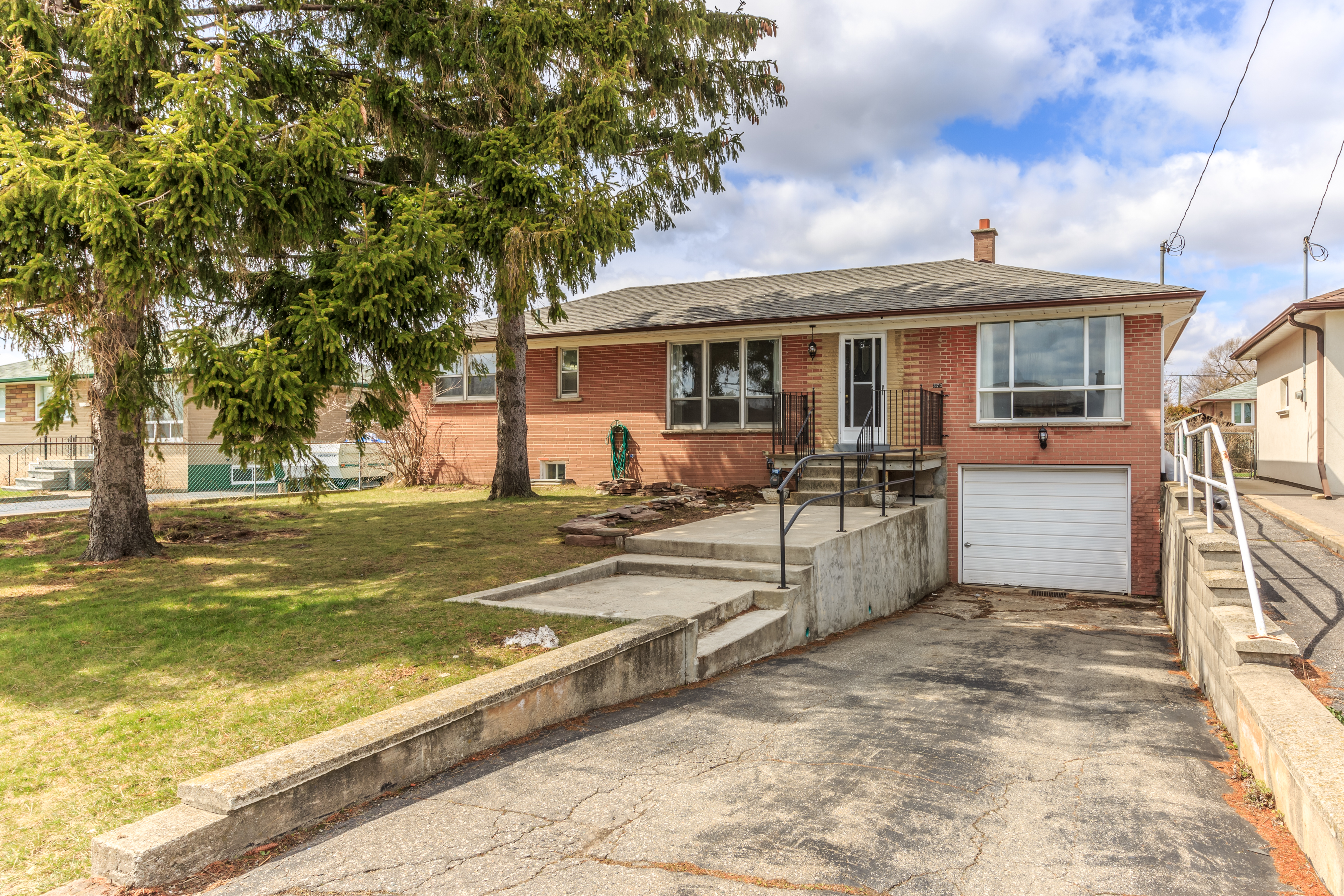 373 Wadsworth St, Oakville